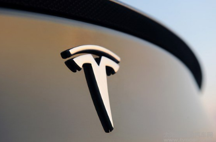 特斯拉申请太阳能电池板连接专利 提高市场竞争力